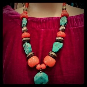 Jewelry - Turquoise and glass bead necklace
